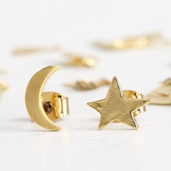 Mismatch Moon and Star Earrings in Gold