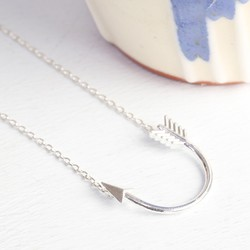 Lucky Horseshoe Arrow Necklace in Silver