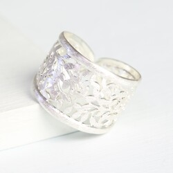 Filigree Leaf Ring in Silver