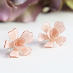 Acrylic Rose Stud Earrings in Dusky Pink