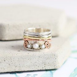 Mixed Metal and Pearl Spinning Ring
