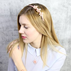 Acrylic Rose Hairband in Dusky Pink