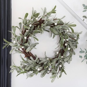 Frosted Mistletoe Christmas Wreath