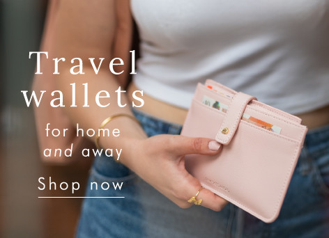Travel wallets - Shop now >>