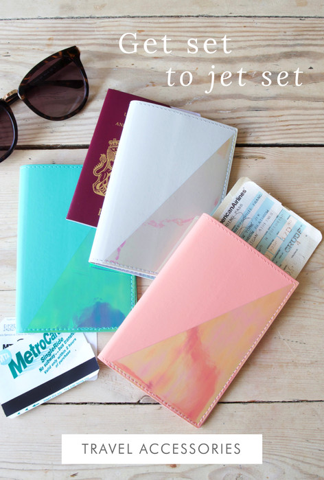 Travel accessories - Shop holiday accessories >>