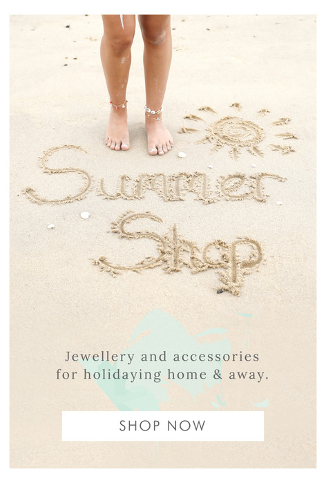 Lisa Angel summer shop - Shop holiday and travel accessories >>