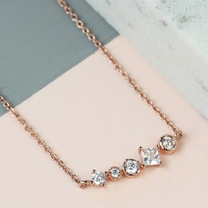 Curved Geometric Crystal Bar Necklace in Rose Gold
