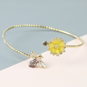 Bee Daisy Gold Open Bangle