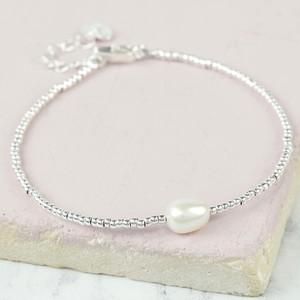 Dainty Seed Bead & Pearl Bracelet in Silver