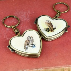 Vintage Heart Shaped Compact Mirror Owl Keyring