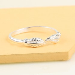 Sterling Silver Leaf Toe or Midi Ring