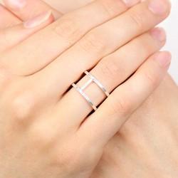 Geometric Circle Ring in Silver