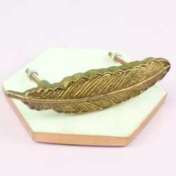 Golden Feather Drawer Handle