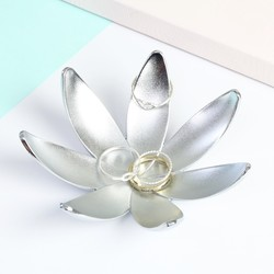 Umbra Magnolia Jewellery Dish in Silver