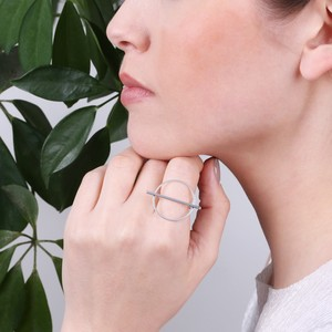 Shiny Geometric Circle and Bar Ring In Silver M