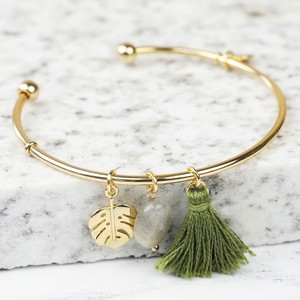 Khaki Tassel Leaf Charm Bangle in Gold