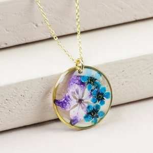 Pressed Flower Disc Pendant Necklace in Gold