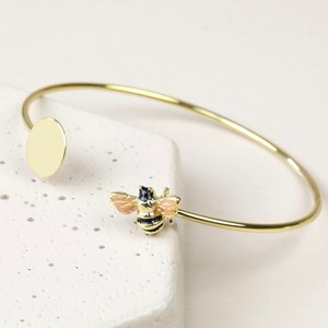 Disc and Bee Open Bangle in Gold