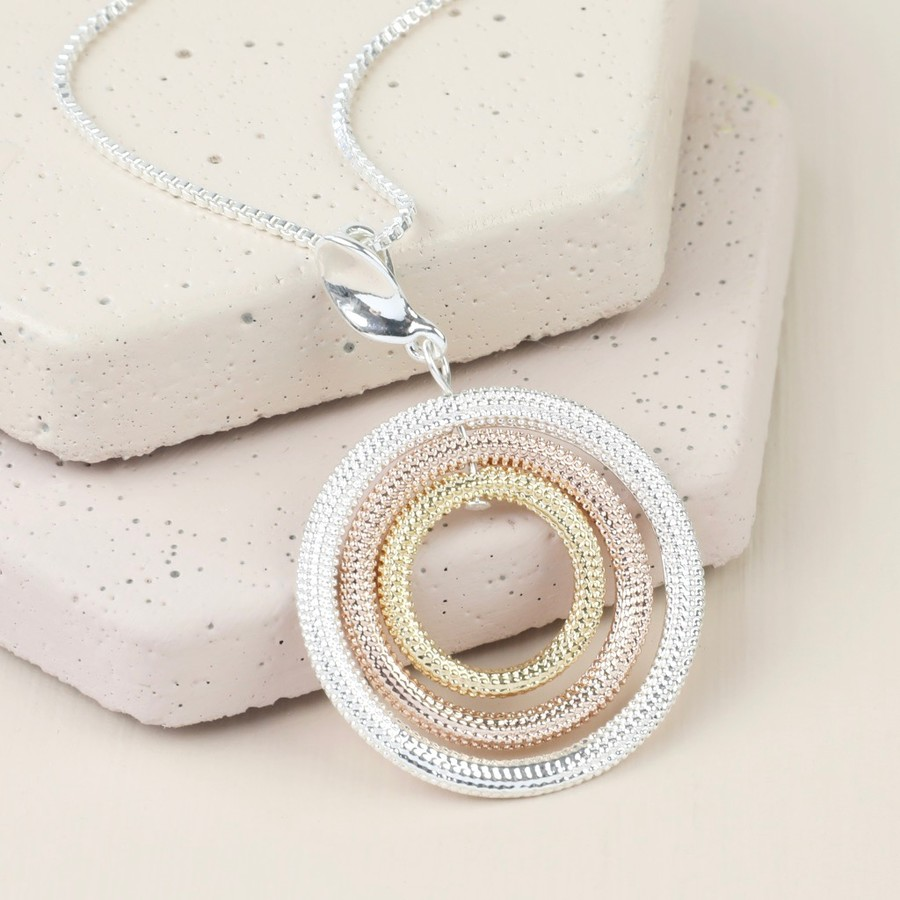 necklace silver triple chain and pendant interlocking trace avanti image circle ring necklaces