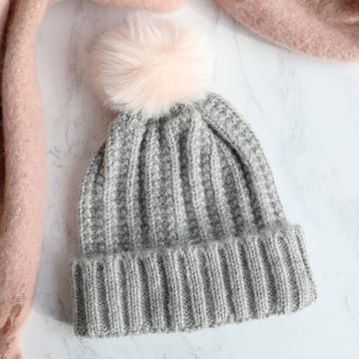84975e3c8c6 Lisa Angel Ladies  Chunky Knit Grey Bobble Hat with Pink Pom Pom