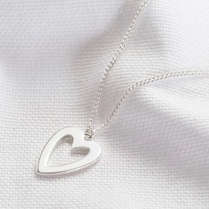 Heart Outline Necklace in Silver