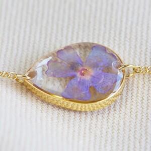 Pressed Birth Flower Charm Bracelet in Gold - August