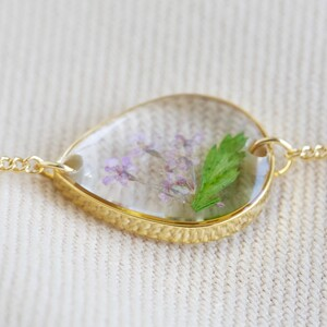 Pressed Birth Flower Charm Bracelet in Gold - February