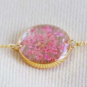 Pressed Birth Flower Charm Bracelet in Gold - January