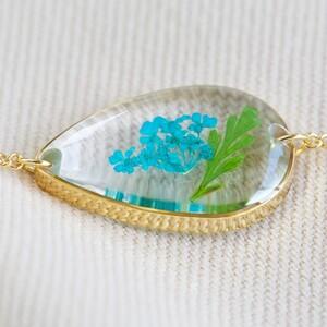 Pressed Birth Flower Charm Bracelet in Gold - July