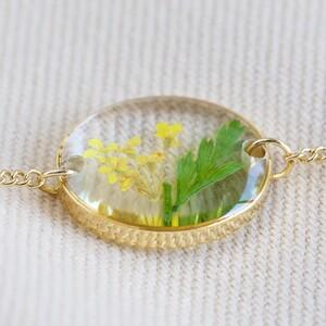 Pressed Birth Flower Charm Bracelet in Gold - March