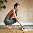 Model Rolling Berber Yoga Mat