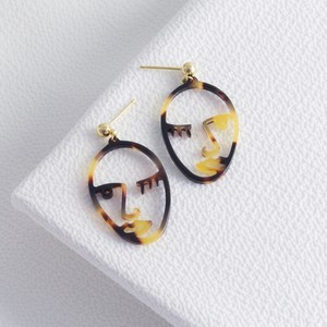 Tortoiseshell Winking Face Drop Earrings
