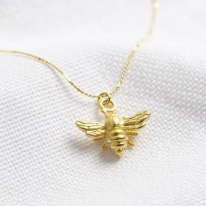 Matt gold bee necklace