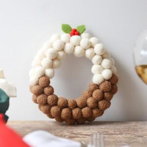 Pom Pom Christmas Pudding Wreath