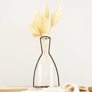 Black Medium Metal Silhouette Vase