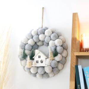 Pom Pom Scene Wreath