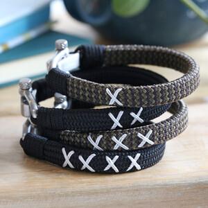Black Cord Family Kiss X bracelet (Brushed clasp)