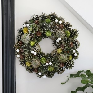 Green Pinecone Christmas Wreath