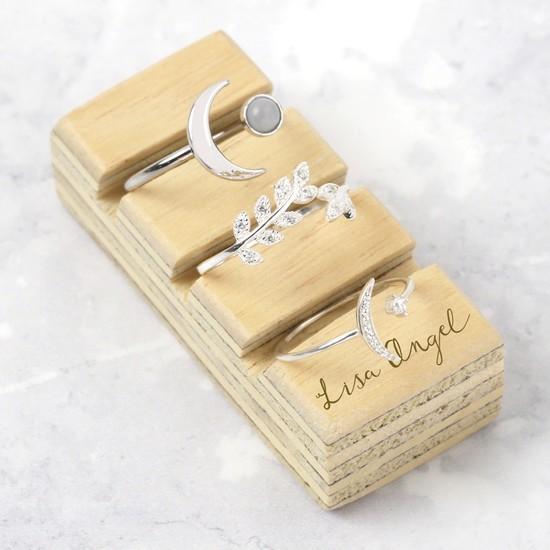 Lisa Angel Ring Block - Plain Varnished