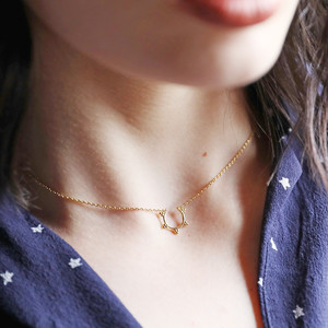 3 bead semi circle short necklace in gold plate