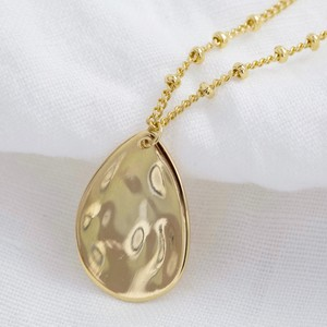 Hammered Teardrop Pendant Necklace in Gold