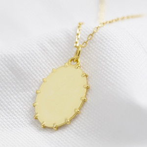 Oval ball edge Signet Necklace in gold plated 925.
