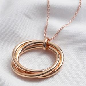 Large shiny rose gold 3 ring necklace