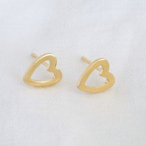 Heart Outline Stud Earrings in Gold