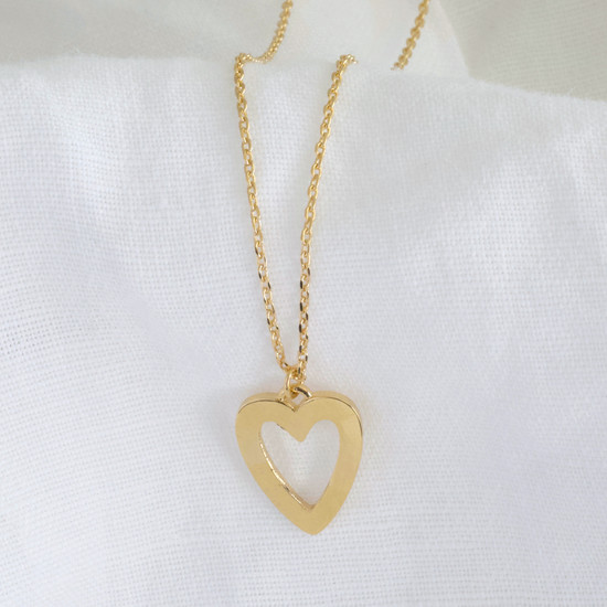 Heart Outline Necklace in Gold