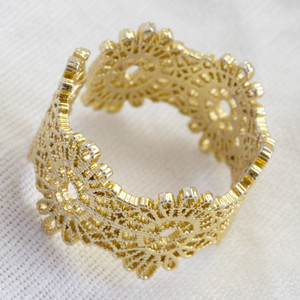 Floral adjustable band ring in Gold Plate