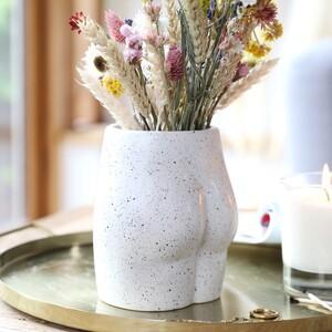 Ceramic Speckled Bum Vase H14cm SS22 DELIVERY