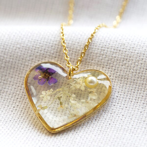 Flower Resin Heart necklace with Pearl in Gold