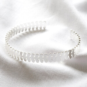 Fern bangle in silver