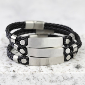 Men's Brushed Bar Black Leather bracelet in Medium